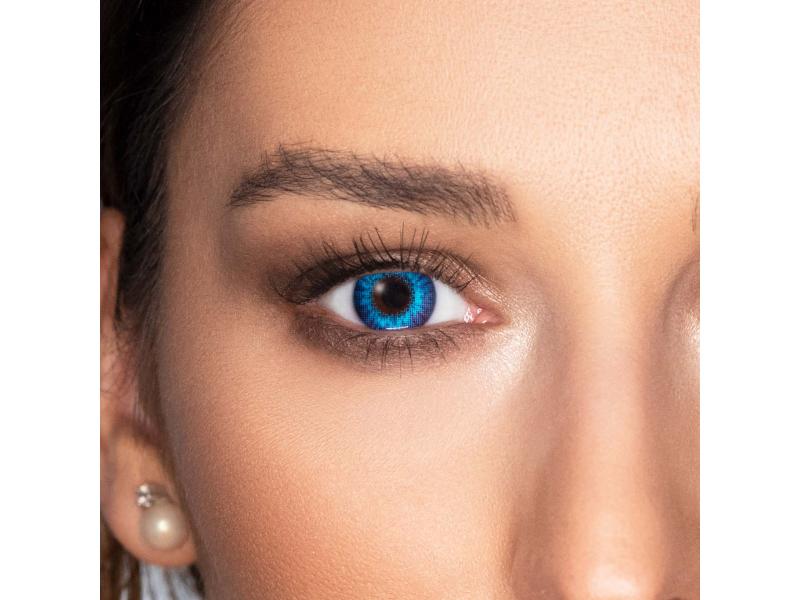 A színes kontaktlencsék izgalma